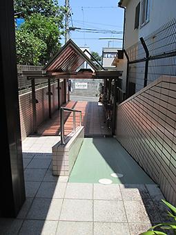 静岡ENTクリニック 階段・スロープ